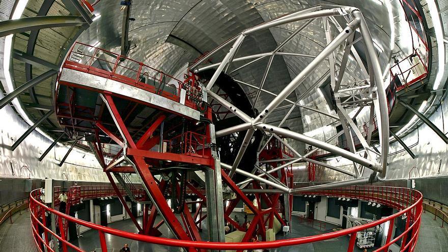 Interior de la cúpula del GTC (IAC)