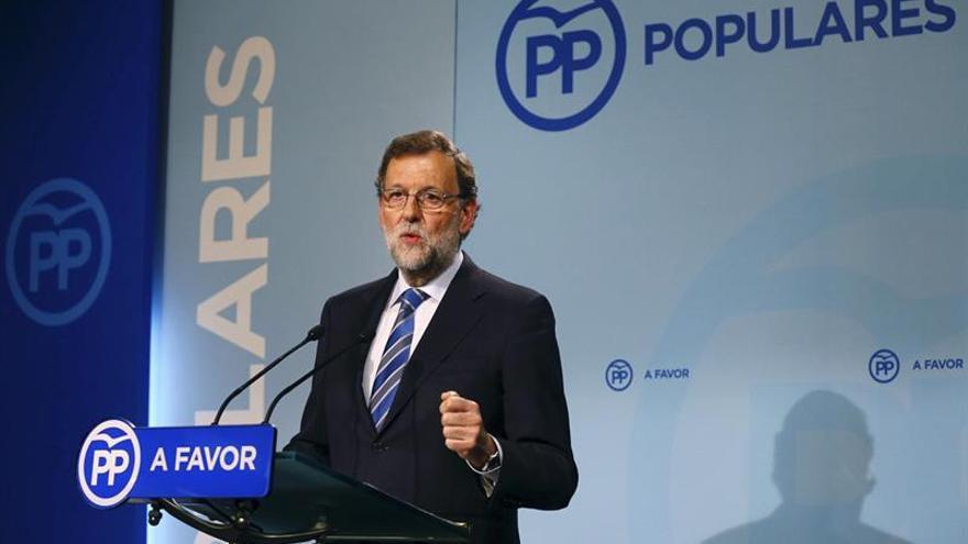 """Rajoy elogia a Simón Peres como """"gran servidor de la paz y el diálogo"""""""