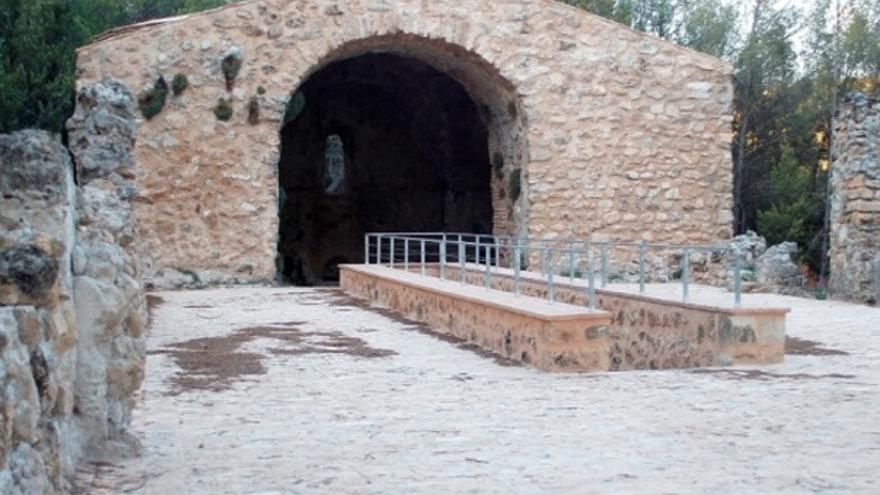 Mausoleo de Llanes, en Albendea (Cuenca)