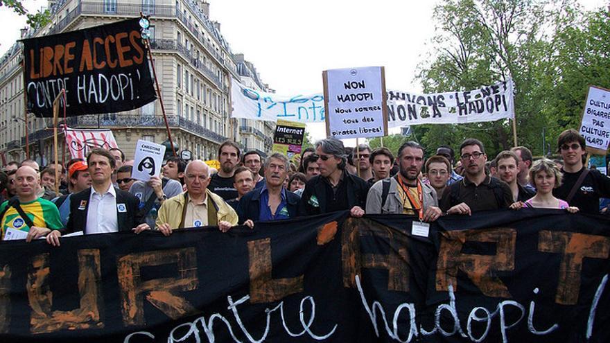 La ley Hadopi contra las descargas quedará derogada en Francia