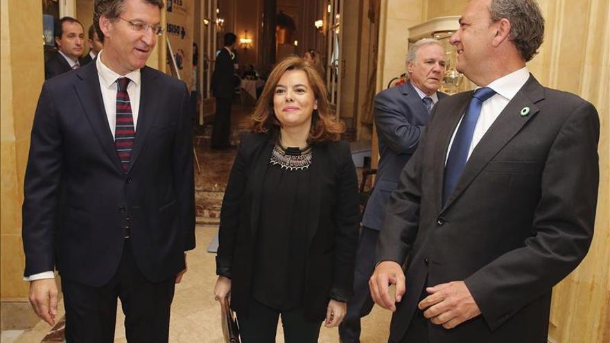 """Sáenz de Santamaría apoya que Fabra actúe con Rus en la línea de la """"ejemplaridad"""""""