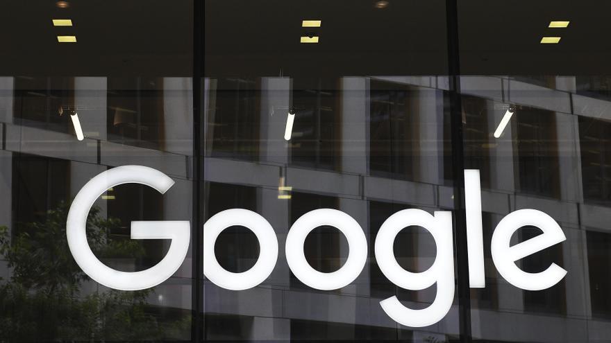 Google becará con 2,5 millones de euros a proyectos para frenar los bulos sobre la vacuna en colectivos vulnerables