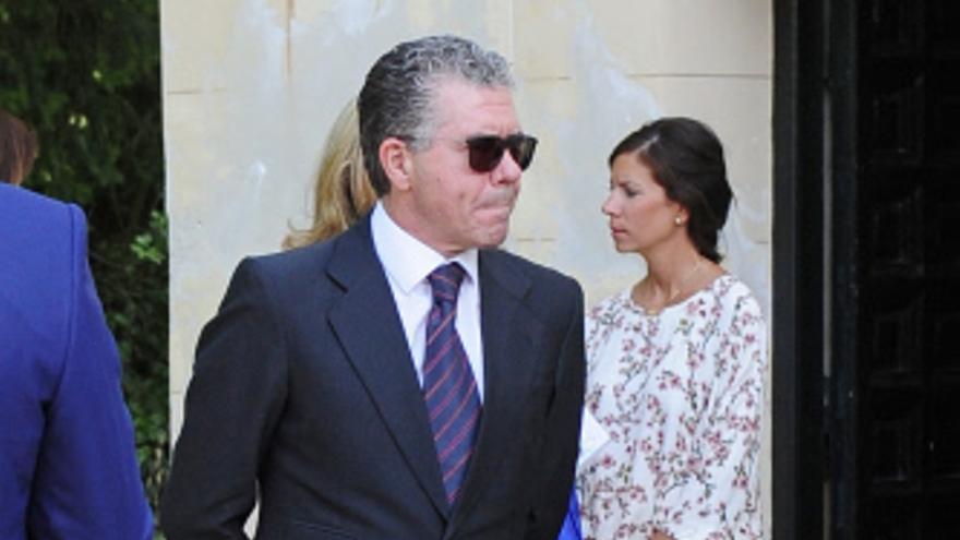Francisco Granados, en la boda de la hija de Luis de Guindos. / GTRES