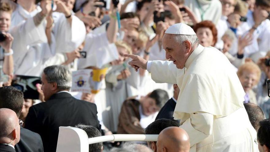 El papa envía un mensaje por la profanación de una catedral en Argentina