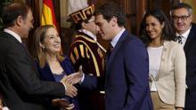Albert Rivera saluda a los presidentes de Congreso y Senado