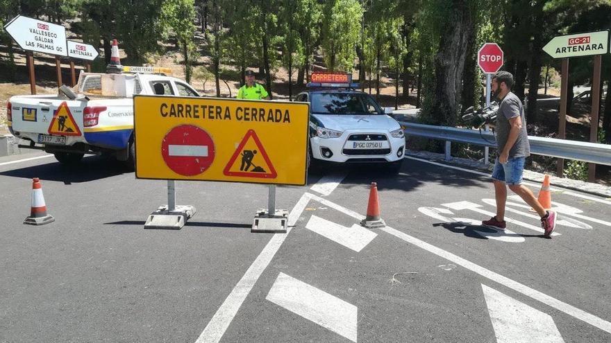Carreteras de la cumbre cortadas.