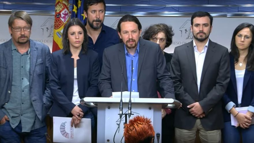 Los líderes de Unidos Podemos, durante el anuncio de que promoverán una moción de censura a Mariano Rajoy.