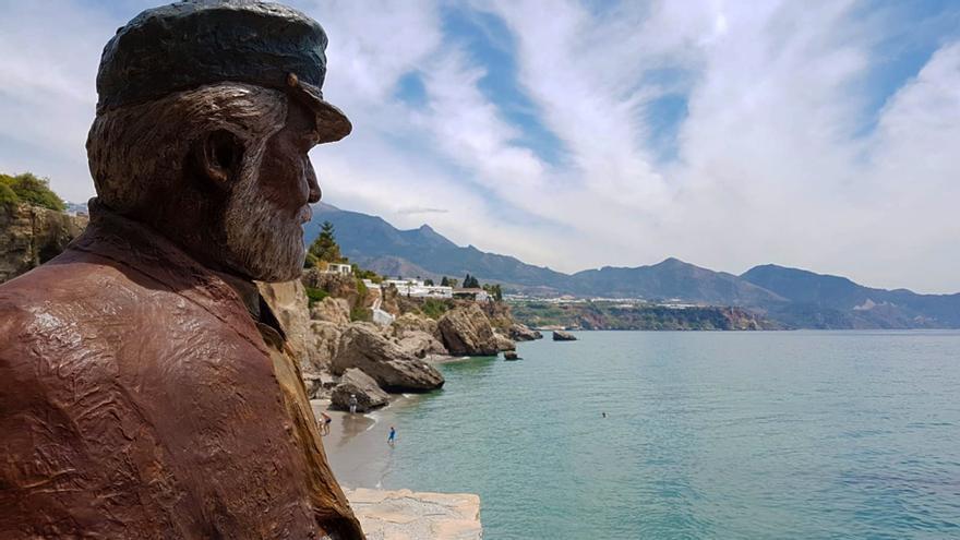 Estatua de Chanquete en Nerja