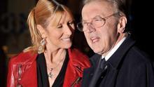 Fallece David Frost, el periodista británico que acorraló a Nixon