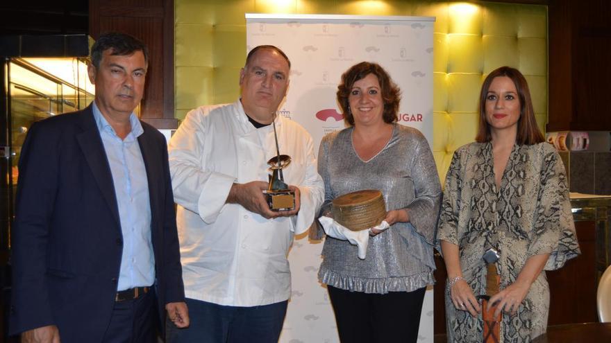 Castilla-La Mancha reconoce al chef José Andrés por su labor de difusión del queso manchego