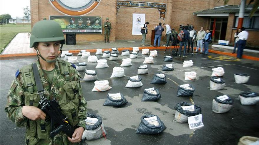 Incautan cerca de una tonelada de explosivos de las FARC en el sur de Colombia