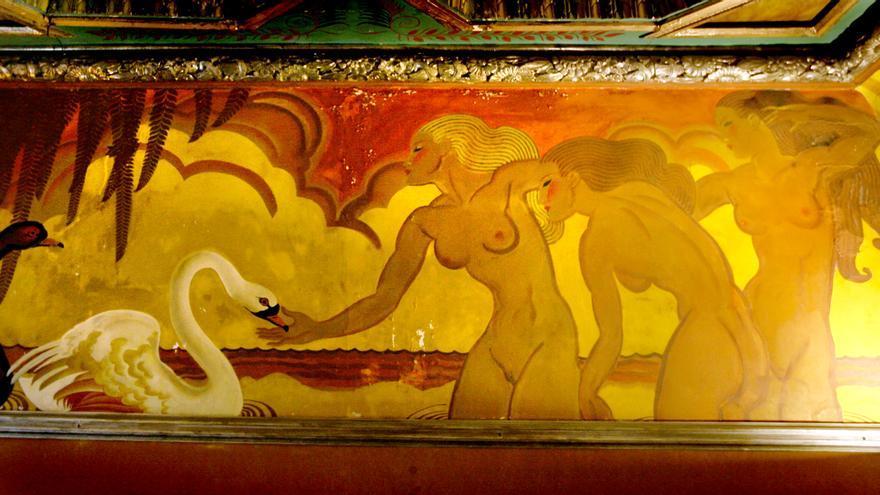 Los frescos fueron encargados a Josep Renau aproximadamente en 1929.