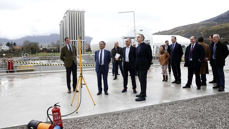 Naturgas abre una planta de gas natural licuado en Arenas de Iguña