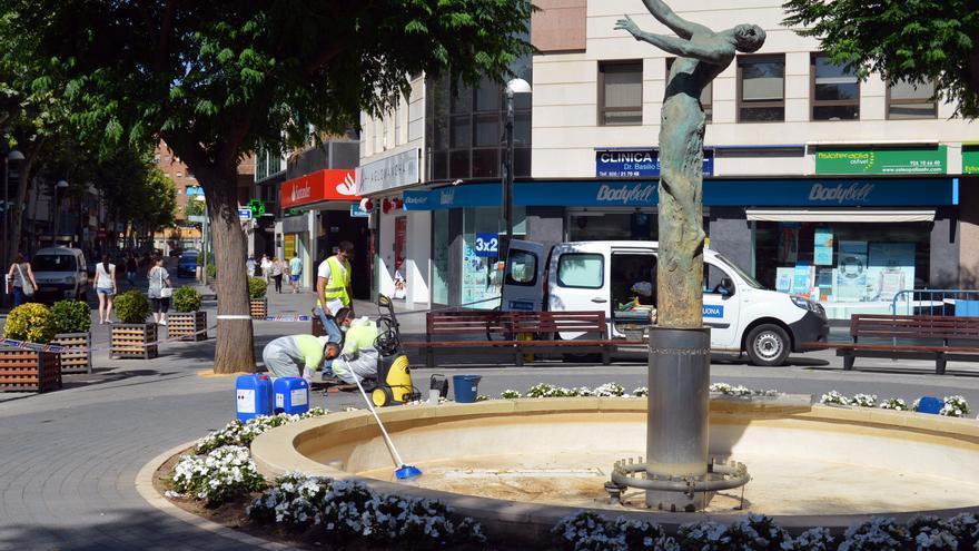 Limpieza de la fuente de Ciudad Real donde se detectó legionela