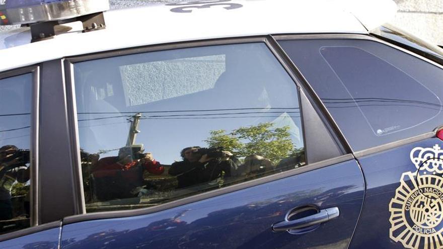 Detienen a un hombre en Ferrol por conducir ebrio y atropellar a su pareja