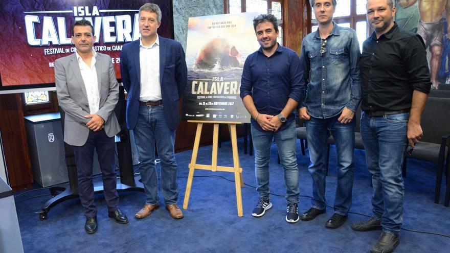 Integrantes del equipo del festival, junto al director insular de Cultura, José Luis Rivero