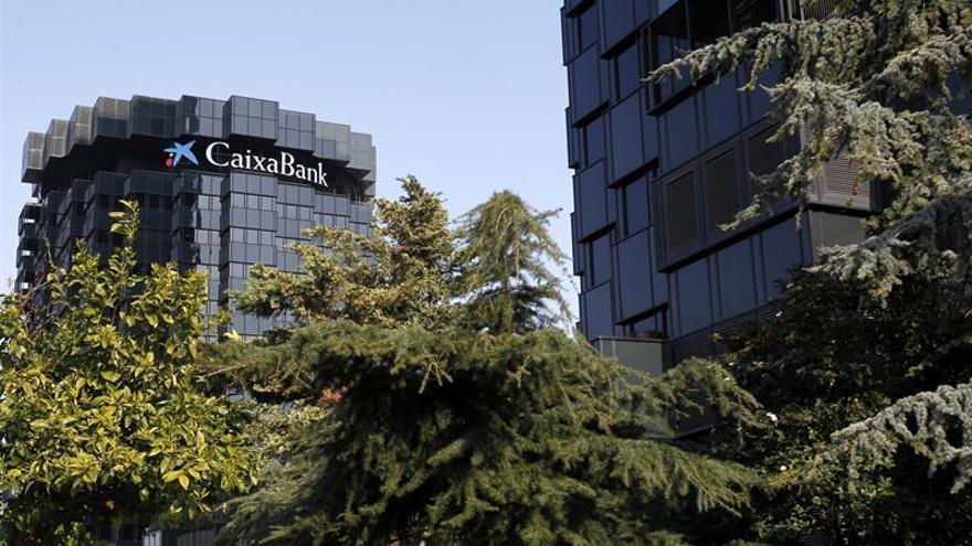 Las acciones de CaixaBank vuelven al mercado con una caída del 2,09 por ciento