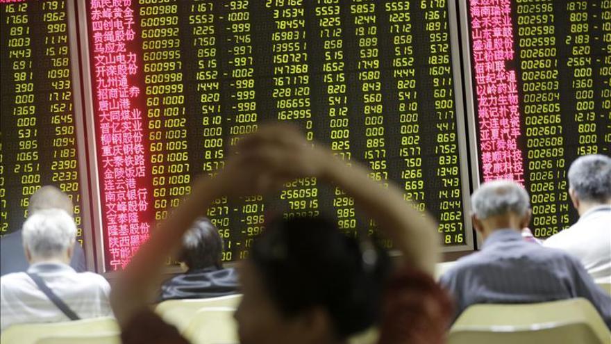 La Bolsa de Shanghái abre con pérdidas de un 3,02 %