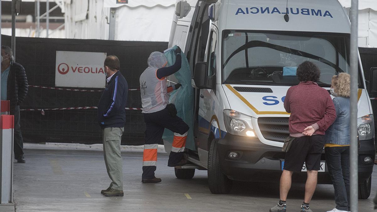 Una ambulancia, en Reina Sofía
