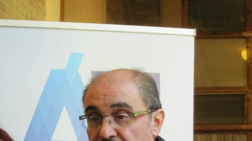 Lambán dice que el presupuesto de 2016 recuperará el 80% de los recortes sociales del Ejecutivo de Rudi