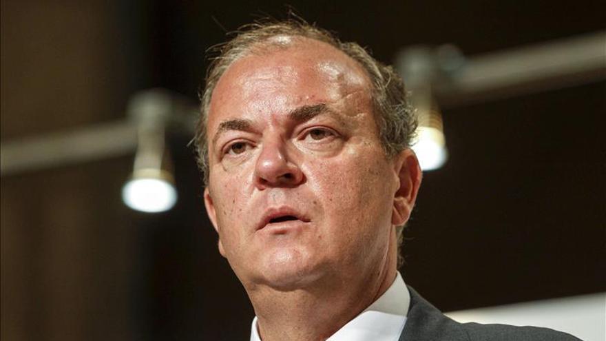 Dimite diputado popular por realizar viajes privados con cargo al Congreso