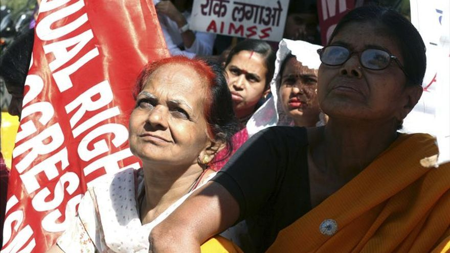 La causa de los suicidios de las mujeres jóvenes en la India es el matrimonio