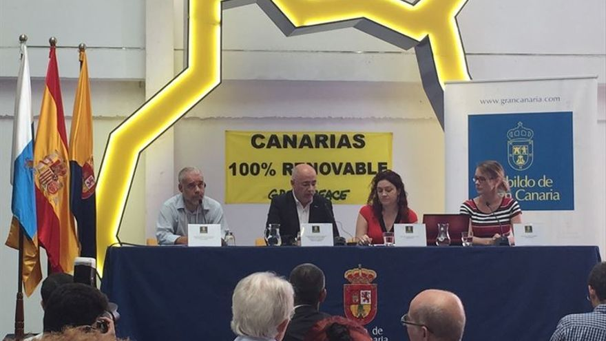 El presidente del Cabildo de Gran Canaria, Antonio Morales, durante la presentación del documento '[R]evolución energética para las islas Canarias'.