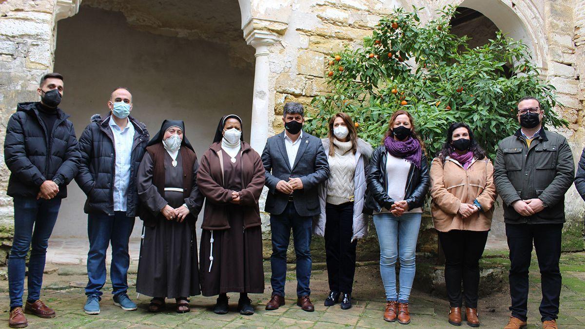 Autoridades y representantes del Convento de Santa Clara de Montilla.
