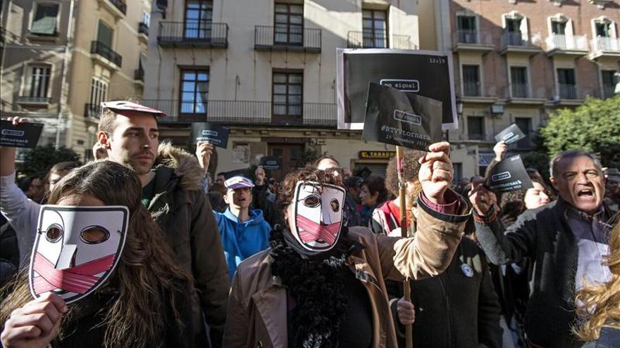 Trabajadores de RTVV protestan ante la Generalitat un mes después del cierre