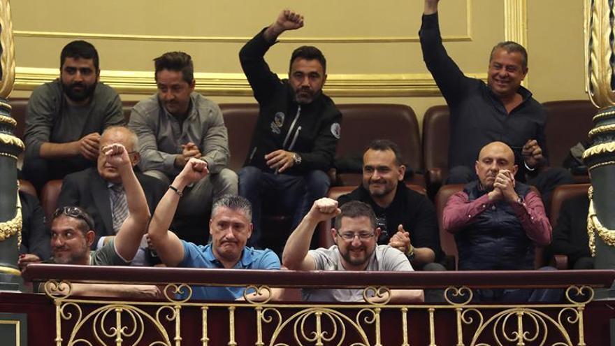 Lo estibadores desconvocan la huelga tras no respaldar el Congreso la reforma