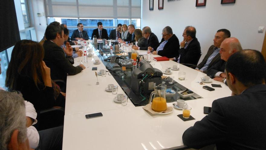 Sodercan analiza sus planes de internacionalización con una veintena de directivos de empresas exportadoras