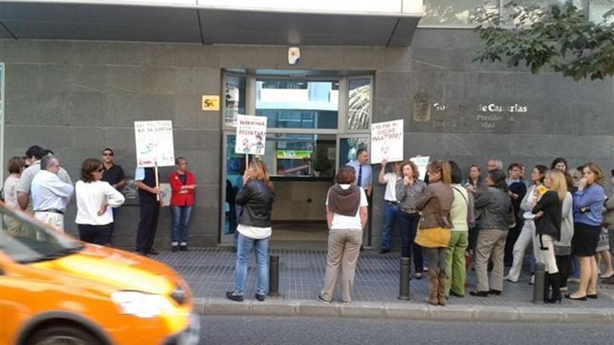 De protestas de funcionarios en LPGC #1