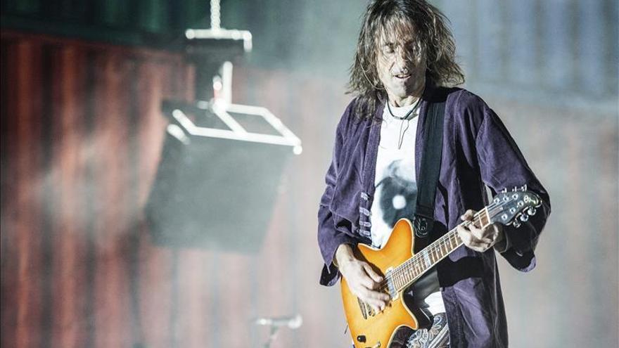 Extremoduro da en su tierra una lección de puro rock ante 15.000 seguidores