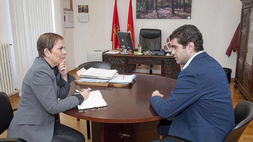 """Barkos se reune con el alcalde de Alsasua y traslada su """"solidaridad a la sociedad alsasuarra"""""""