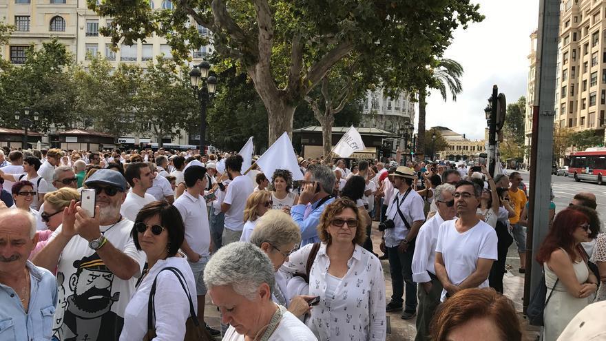 Concentración Parlem? en València.