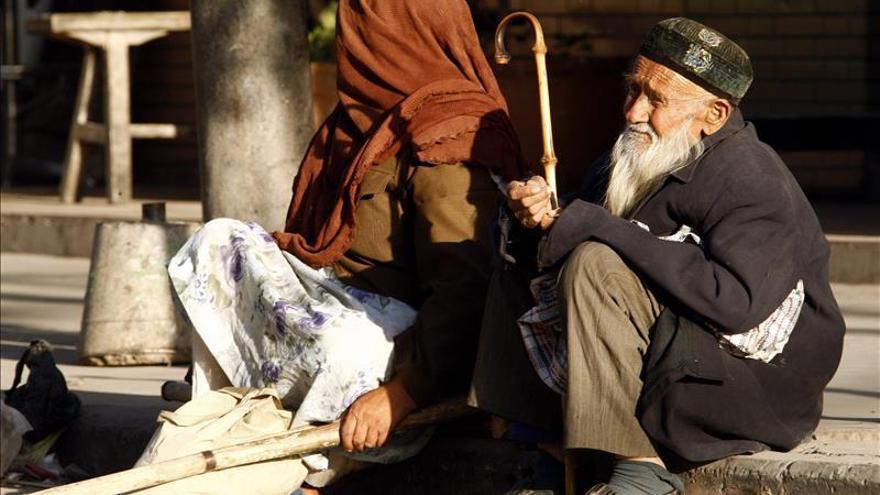 Pekín planea crear un registro de mendigos en metro y detener a reincidentes