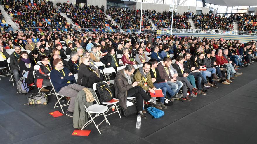 Asamblea nacional extraordinaria de la CUP en Sabadell para decidir sobre la investidura de Mas