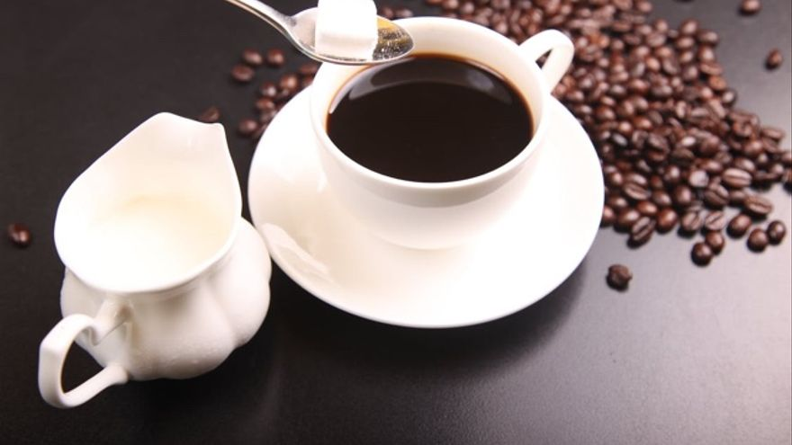 Cafe efectos de azucar tomar sin