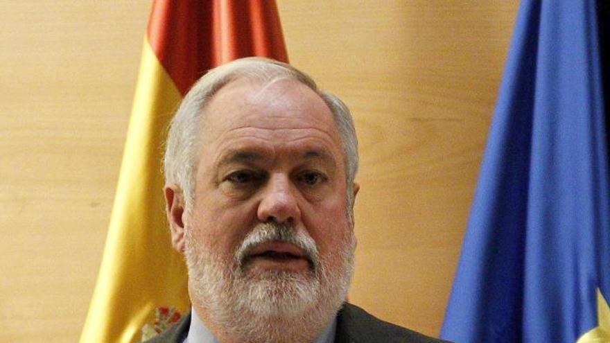 El PP rechaza que Cañete comparezca para tratar la ley de Parques Nacionales