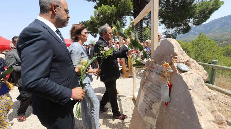 Horta de Sant Joan homenajea a las víctimas del incendio a la espera de juicio