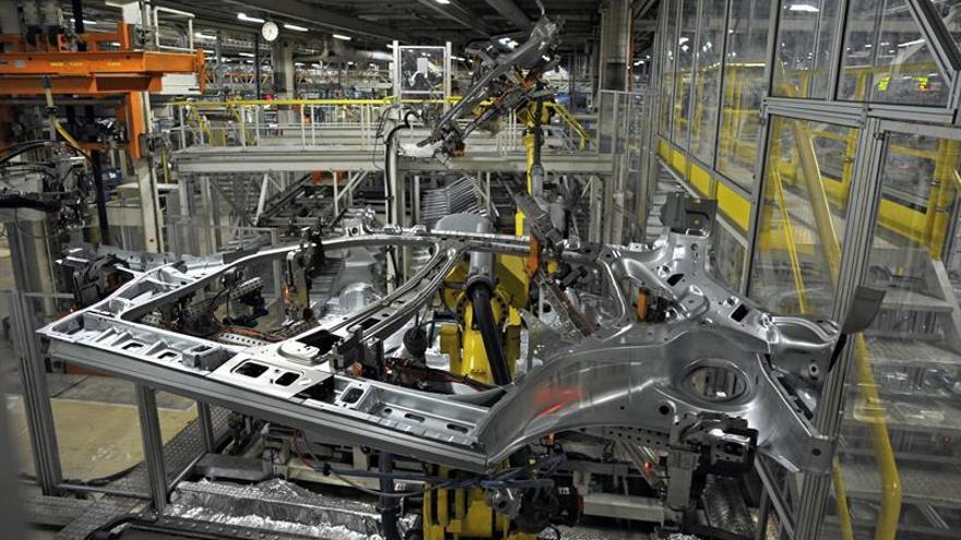 VW Navarra y la mayoría sindical firman el Acuerdo de Empleo para Landaben