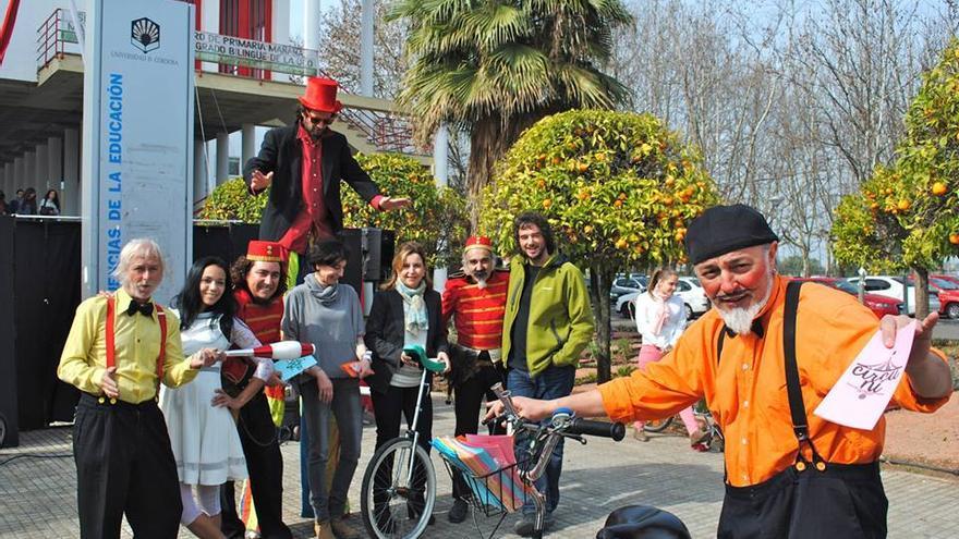 Circuni, la Escuela de Circo en la Universidad de Córdoba, enseña técnicas circenses como herramientas pedagógicas. (Foto UCOcultura)