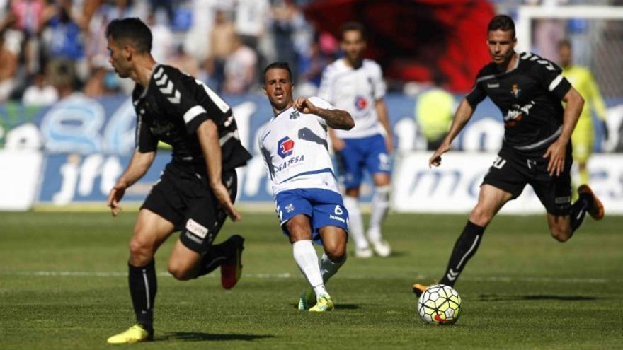 Imagen de un encuentro entre el CD Tenerife y el Real Valladolid.