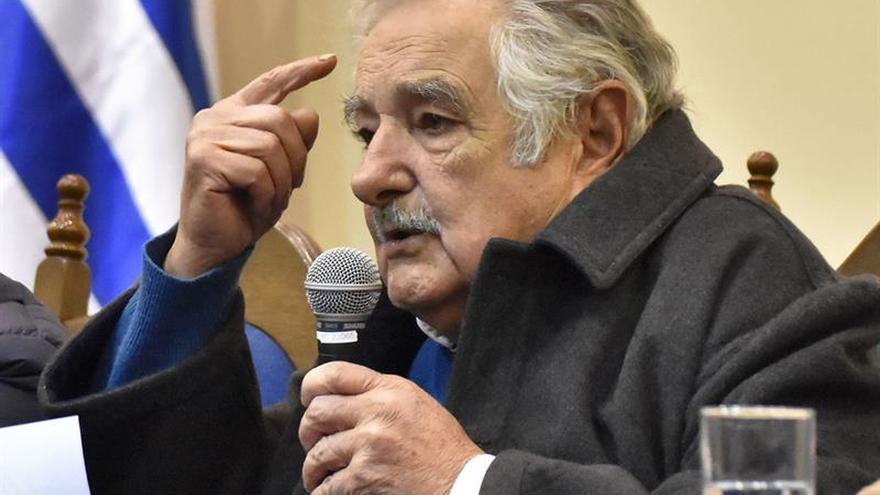 """Mujica: """"Espero que Alemania mantenga su banderola abierta al sur"""""""