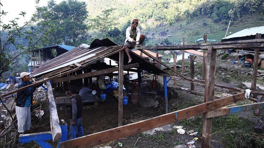 Poca ayuda y ningún consuelo en el punto cero del terremoto