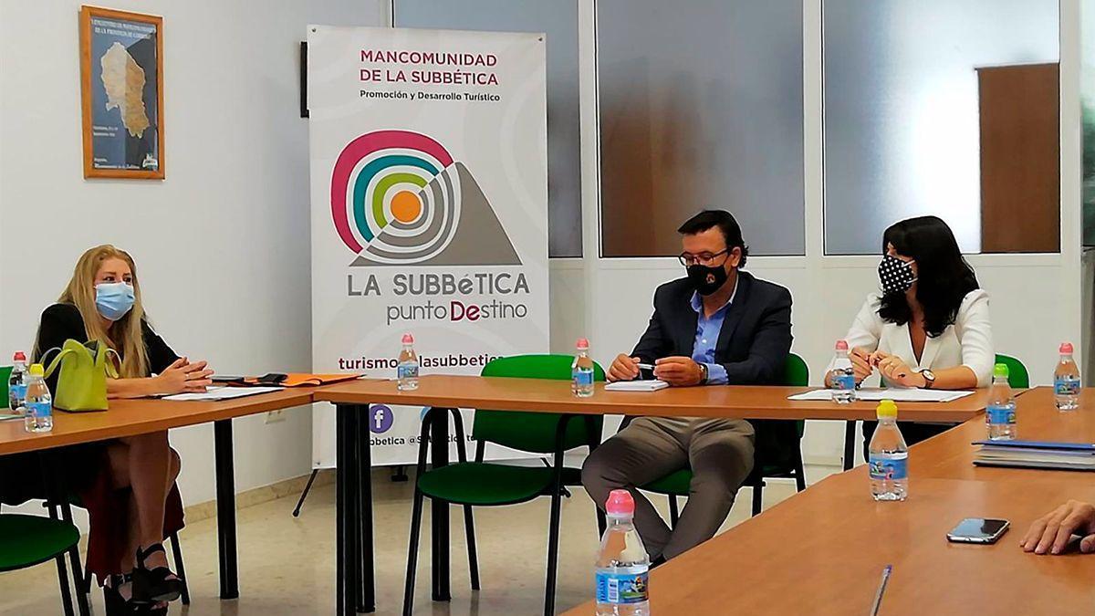 Reunión de la Junta de Andalucía en la Subbética.