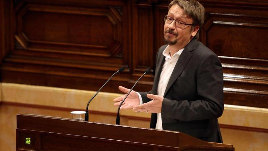 """Domènech no ve posible restituir a Puigdemont y rechaza """"debate legitimista"""""""