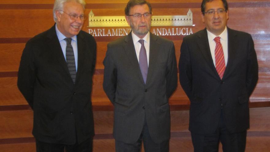 """Felipe González reconoce """"esfuerzos"""" para alcanzar el 'Pacto por Andalucía', pero no cree que vaya a firmarse"""