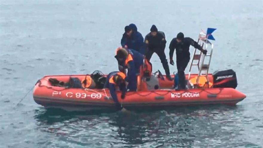 Recuperan 15 cadáveres y 239 restos humanos en la zona del siniestro del avión ruso