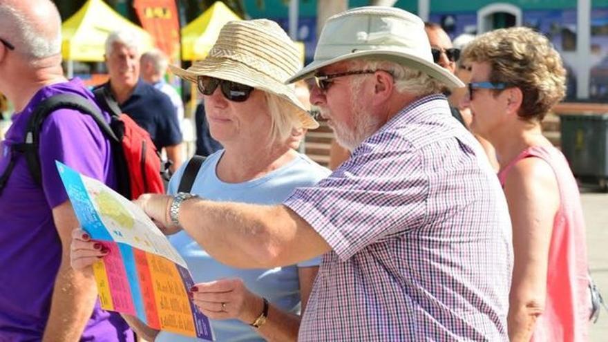 Turistas extranjeros, de visita en las islas, en una imagen de archivo